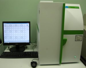 Liquid scintillation counter for microplate